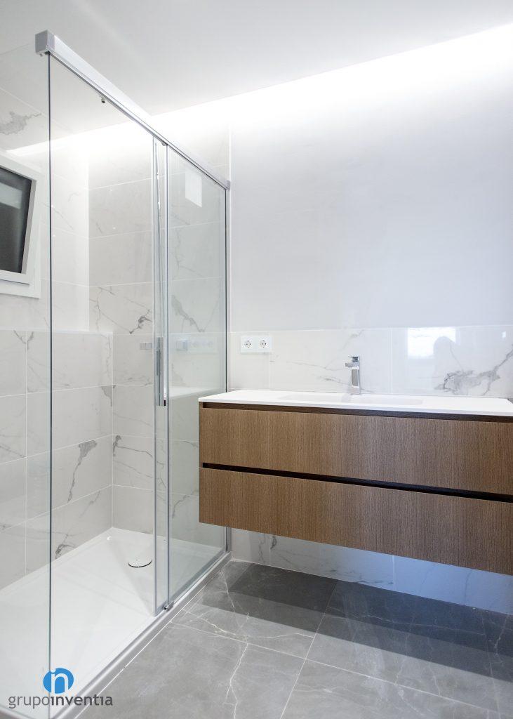ducha con mamparas